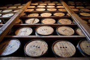 distillery-barrels-591600_960_720